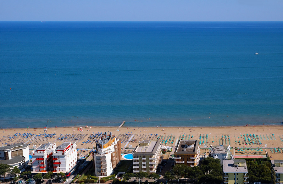 italian-holidays-from-the-the-resort-of-lido-di-jesolo-1